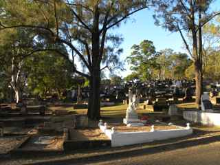 photo of Balmoral (section 15) Cemetery