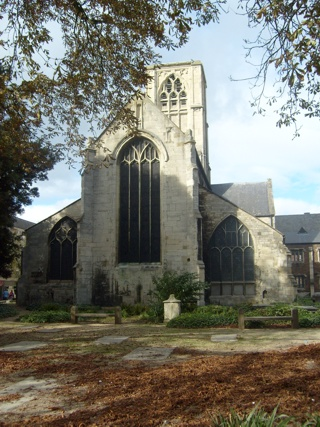 photo of St Mary de Crypt's Church burial ground