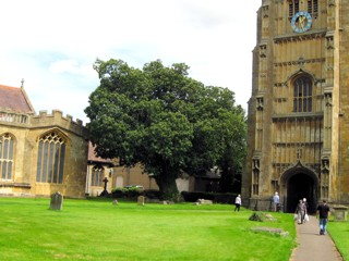 photo of Tewkesbury Abbey's Church burial ground