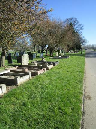 photo of Scartho Road (north central reserved borders pt2) Cemetery