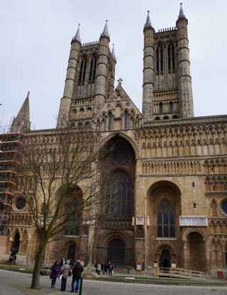 photo of Lincoln Cathedral's monuments