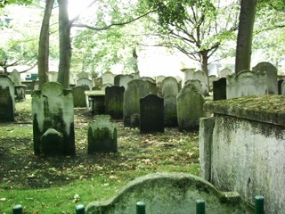 photo of Bunhill Fields Nonconformist's Church burial ground