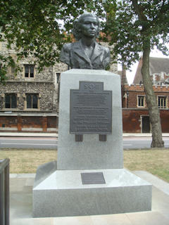 photo of Albert Embankment SOE War Memorial