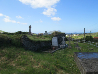 photo of Dun Chaoin Sean's burial ground