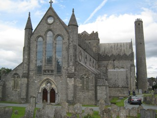 photo of St Canice Cathedral's burial ground