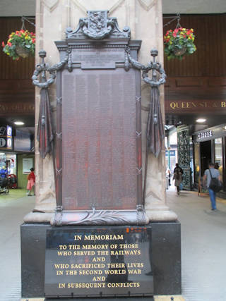photo of Railway Station War Memorial